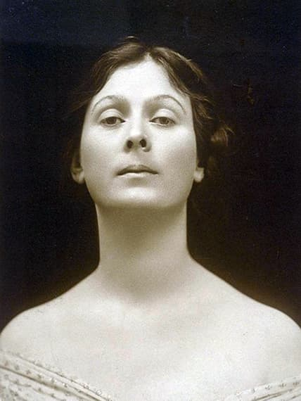 Isadora Dunkan a woman whose name in the early 20th century was synonymous with dance